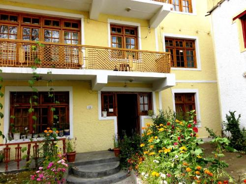 TIH Rahela Guest House & Home Stay