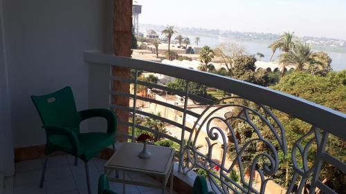 New Pola Hotel room photos