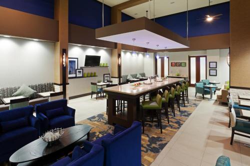 Hampton Inn & Suites Denver Airport / Gateway Park in Aurora