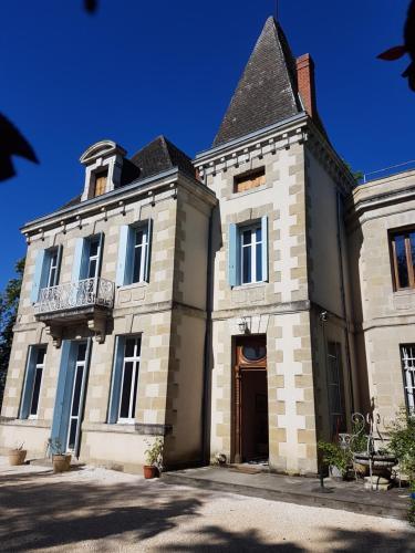 . Chateau de L'Allee