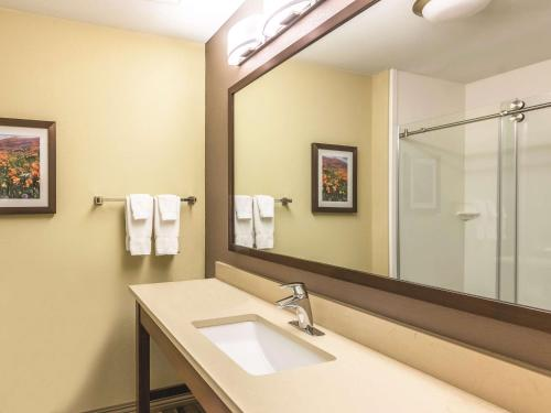 La Quinta Inn & Suites By Wyndham Durango - Durango, CO 81303