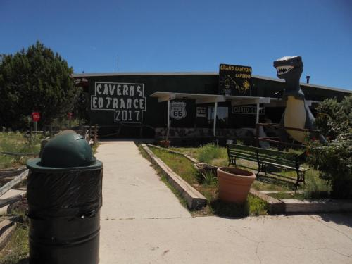 . Grand Canyon Caverns Inn