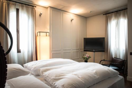 Habitación Doble Deluxe - 1 o 2 camas Hotel Palacio De Villapanés 15