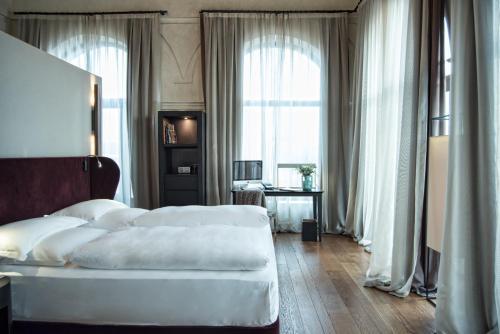 Suite Hotel Palacio De Villapanés 40