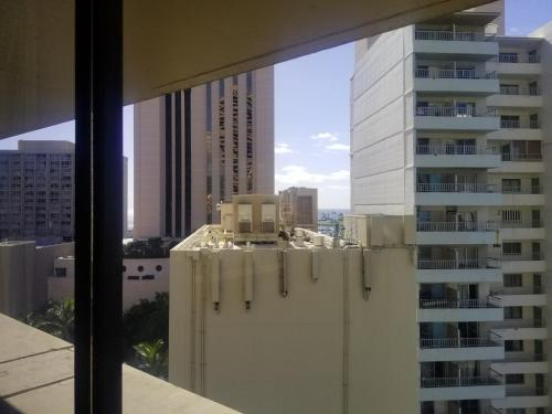 Marina Tower 12th Floor - Honolulu, HI 96815