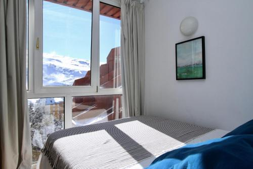 Hotel Bed and Snow Deal Apartment