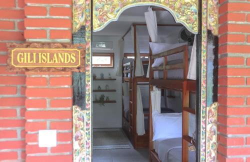 Gili Islands Bed di Kamar Asrama Campuran berisi 8 Tempat Tidur (Gili Islands Bed in 8-Bed Mixed Dormitory Room)