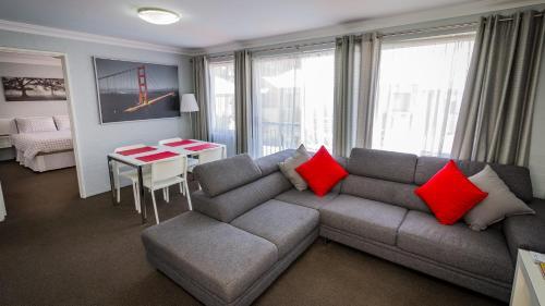 . Dowler Apartments Subiaco