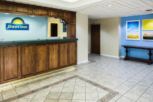 Days Inn By Wyndham Oak Grove/Ft. Campbell - Oak Grove, KY 42262