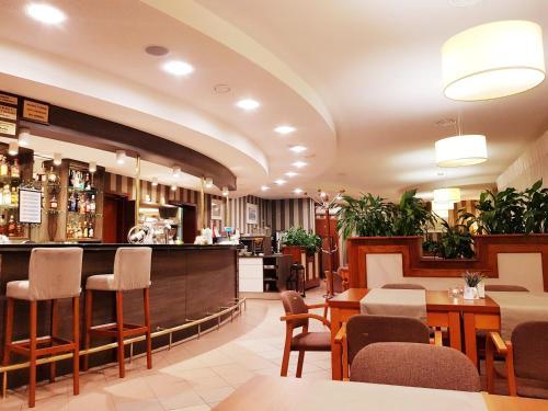 __{offers.Best_flights}__ Hotel Trojka