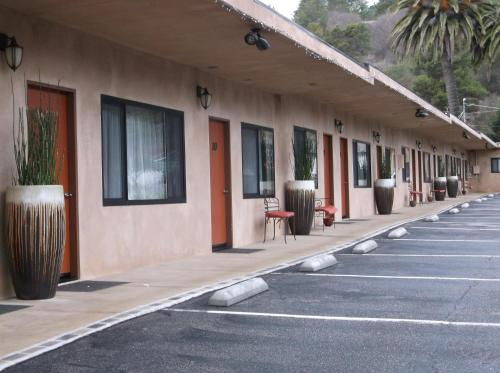 Cambria Palms Motel - Cambria, CA 93428