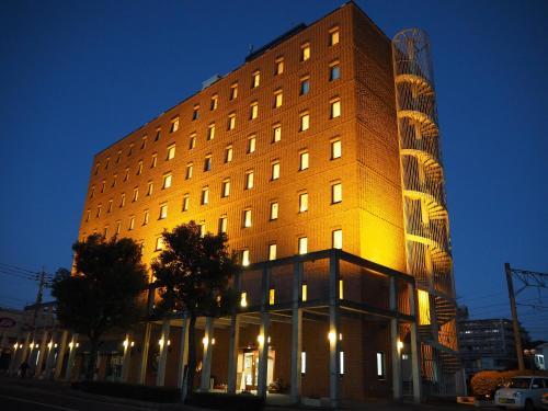 新飯塚車站經濟型酒店 Shin Iizuka Station Hotel