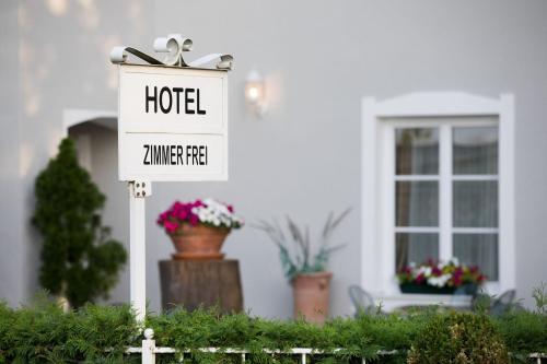 . Hotel Nibelungenhof