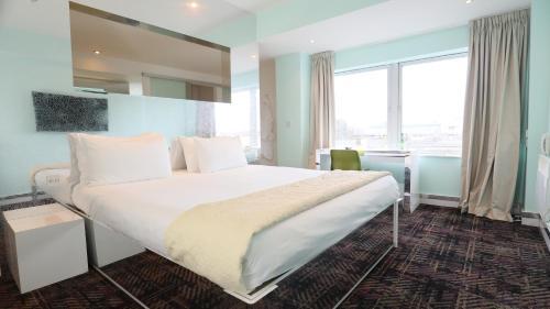 Citrus Hotel Cheltenham By Compass Hospitality - Photo 2 of 69
