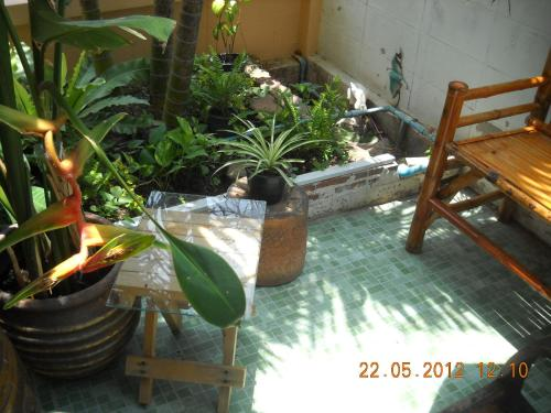 Srikrung Guesthouse photo 15