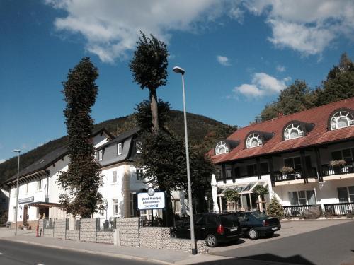 . Hotel-Gasthof Hüttensteinach