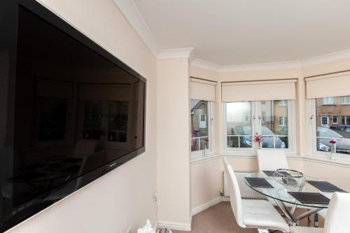 Foto - Dunfermline - Premium Two Bedroom Apartment - KW