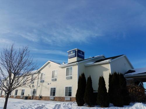 Boarders Inn And Suites By Cobblestone Hotels Oshkosh Wi