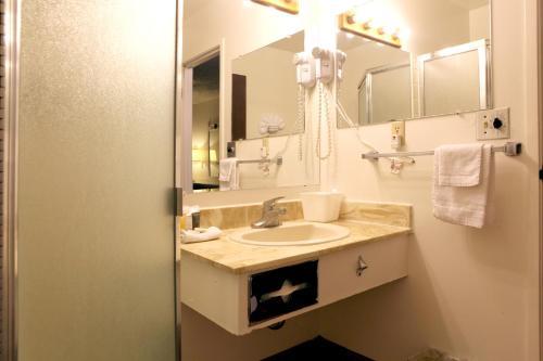 Granada Inn - Santa Clara, CA 95051