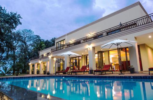 . Ebandla Hotel & Conference Centre
