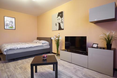. Apartment on Markovnikova 10A