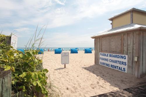 Palm Beach Shores Resort - West Palm Beach, FL FL 33404