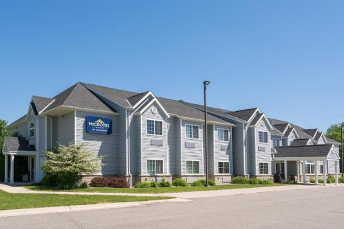 Microtel Inn & Suites By Wyndham Springfield - Springfield, MN 56087