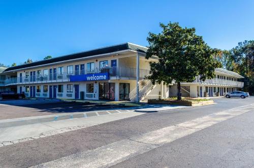 Motel 6-Charleston SC - North