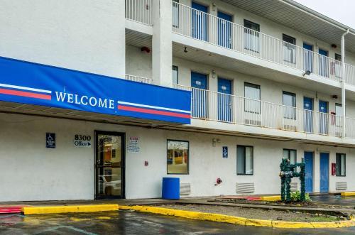 Motel 6 Warren