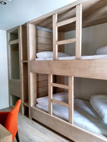 Habitación Cuádruple con ducha Hotel Santa Cristina Petit Spa 17