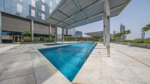 DHH - Modern & Large Studio in the Business District of Dubai - image 4