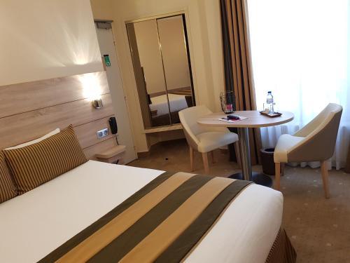 Hotel Champerret Elysees photo 38