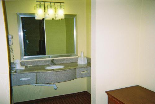 Royal Inn - Indianapolis, IN 46224