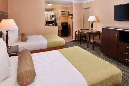 Best Western Courtesy Inn - Anaheim Park Hotel - Anaheim, CA CA 92802