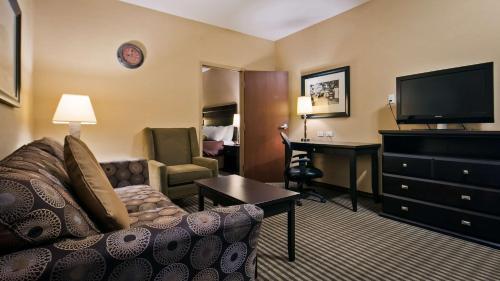 Best Western Sunrise Inn & Suites - Stony Plain, AB T7Z 1L1