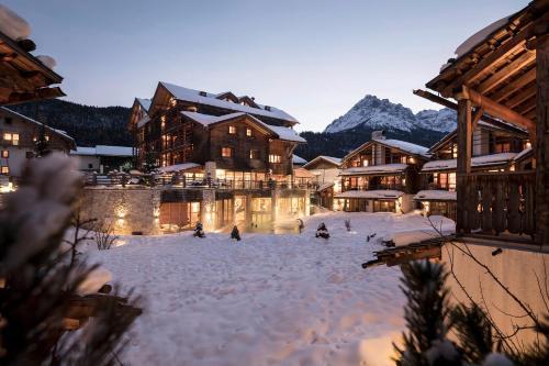 Post Alpina - Family Mountain Chalets Vierschach bei Innichen