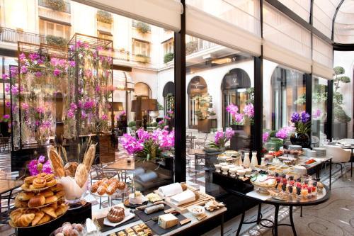 Four Seasons Hotel George V Paris photo 60