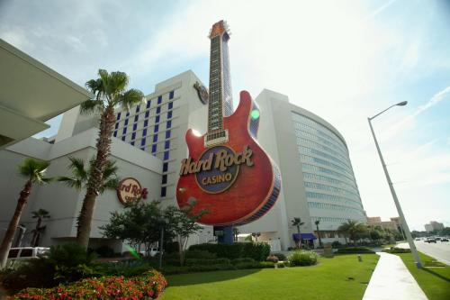 Stay And Play 7 Hotels With Casinos In Biloxi Mississippi
