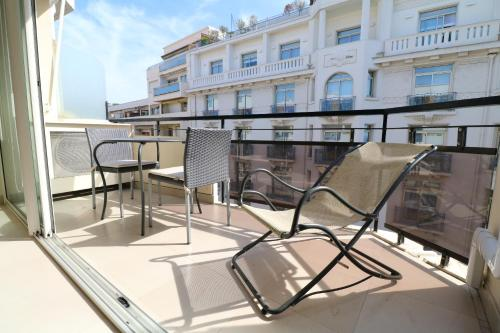 Studio with terrace 2 mins from Croisette 118