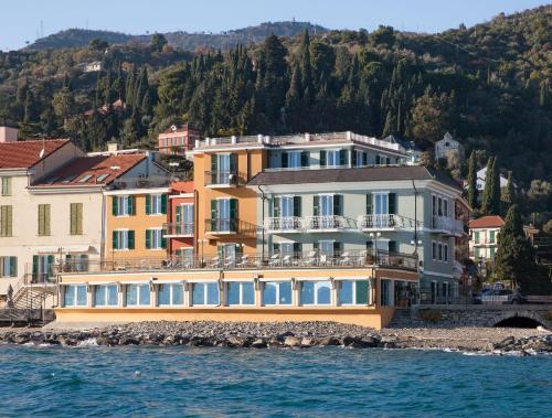 . Hotel Savoia