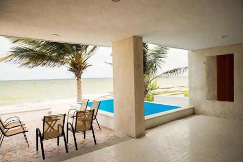 A-HOTEL com - Casa frente al mar Trujllo Lucic, holiday home