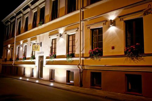 . Hotel Tilto