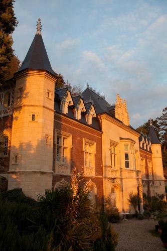 2 Rue Saint Clair, 76490 Caudebec en Caux, Normandy, France.