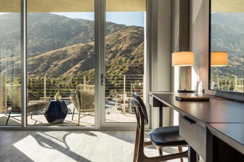 100 W. Tahquitz Canyon Way  Palm Springs, California 92262, United States.