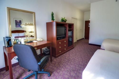 Ashmore Inn and Suites Amarillo Standard Room with Two Double Beds