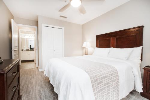 Canterra Suites Hotel - Edmonton, AB T5K 0K9