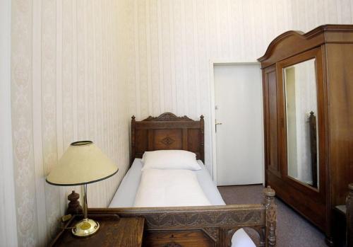 Hotel-Pension Funk am Kurfürstendamm photo 13