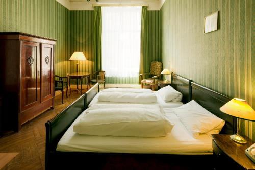 Hotel-Pension Funk am Kurfürstendamm photo 35