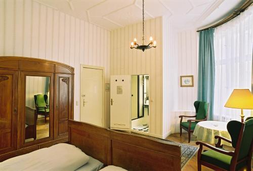 Hotel-Pension Funk am Kurfürstendamm photo 17