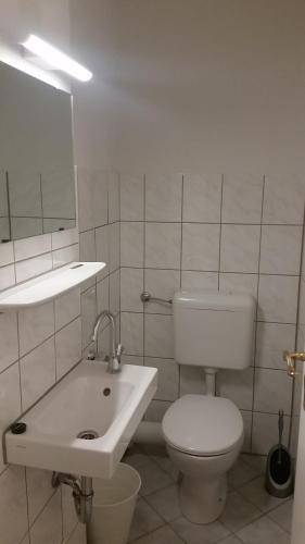 Apartment Düsseldorf-City photo 4